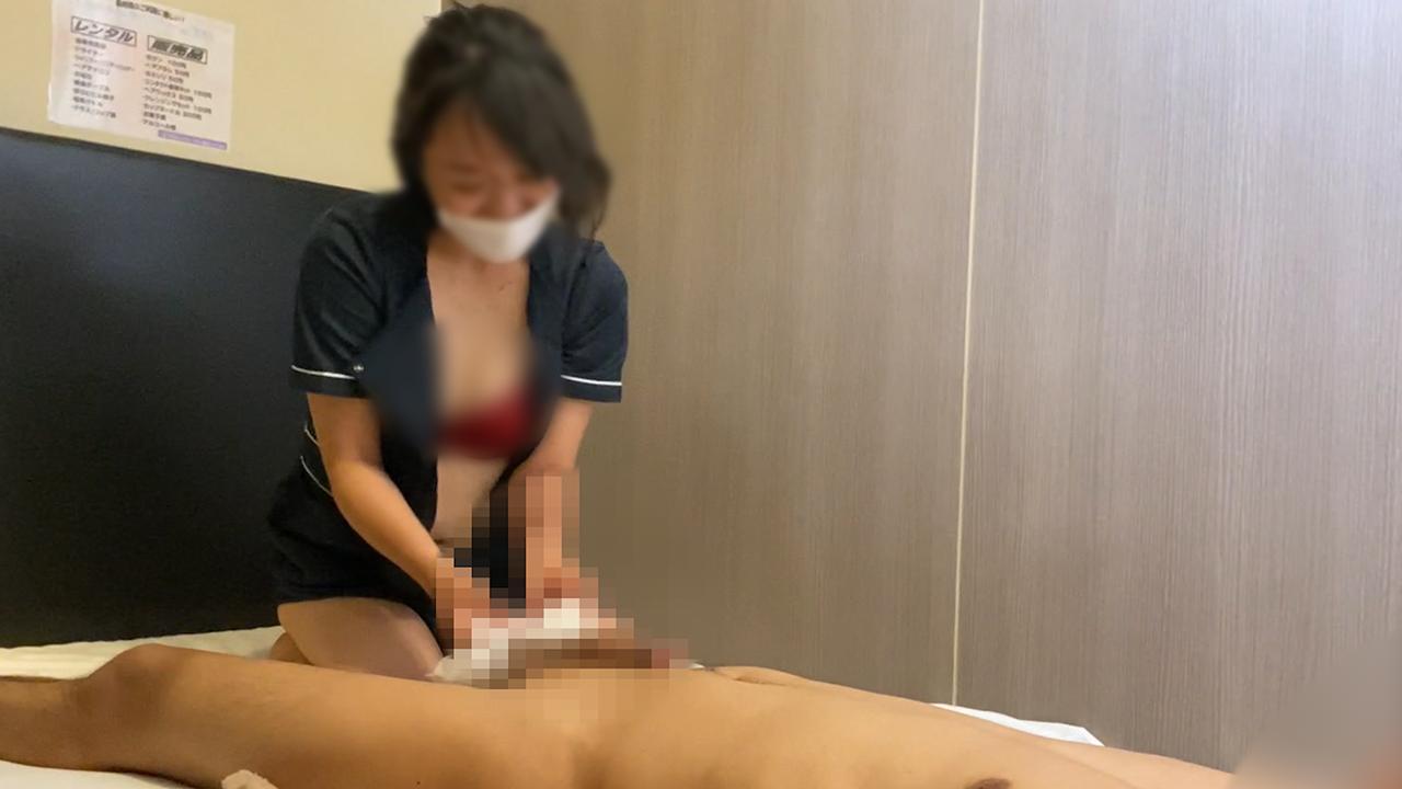 出張ローション手コキ隠し撮り【痴女妻・上田(37歳)】